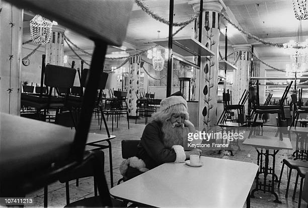 Santa Claus Taking A Cup Of Tea In A Restaurant In London On December 1964