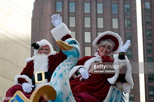 Santa Claus Welcomed at Thanksgiving Day Parade