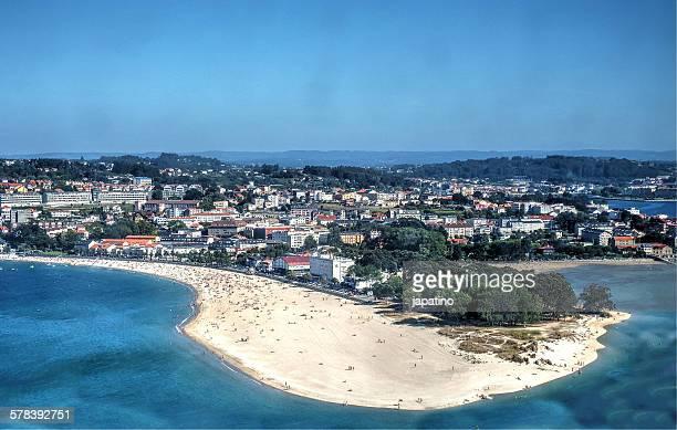 santa cristina beach in la coruna - grove fotografías e imágenes de stock