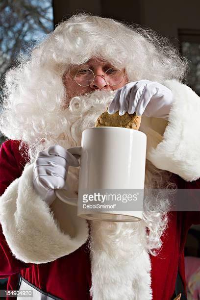 Santa Dunks seine Cookie