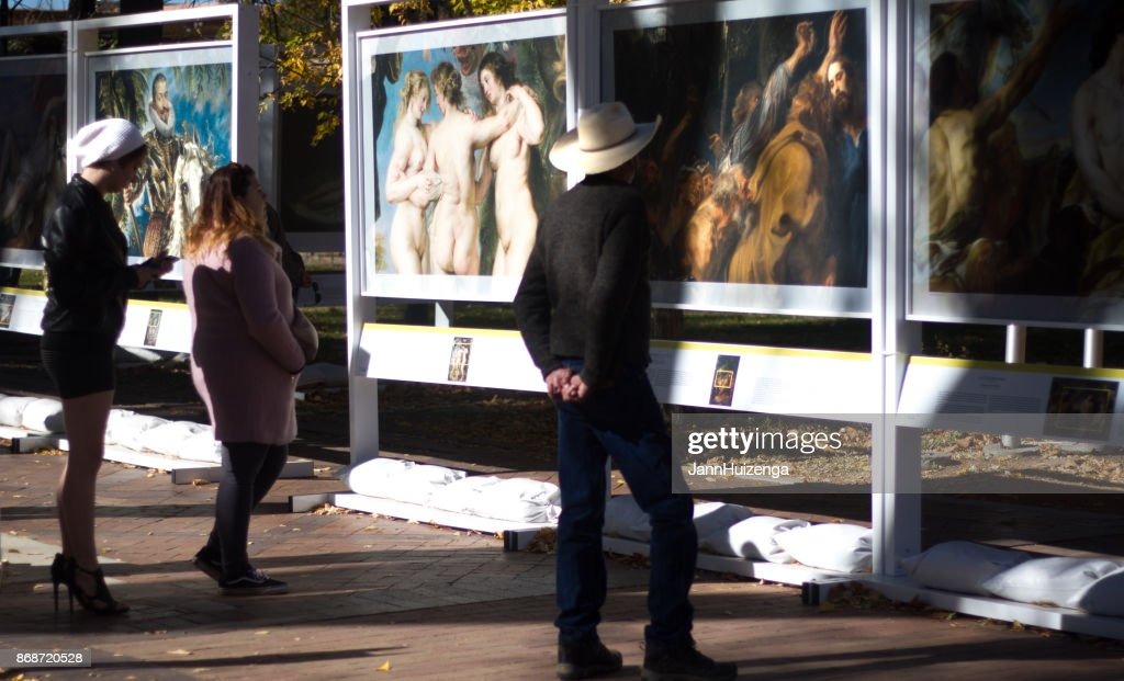 Santa Fe, NM: Outdoor Prado in Santa Fe Art Exhibit : Stock Photo
