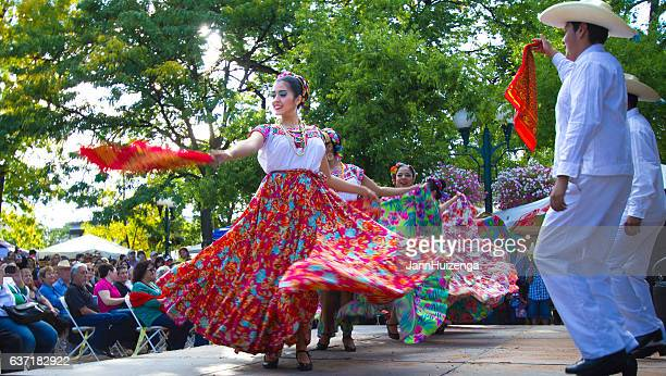 santa fe, nm: troupe performs mexican folk dance on plaza - independence day stock pictures, royalty-free photos & images