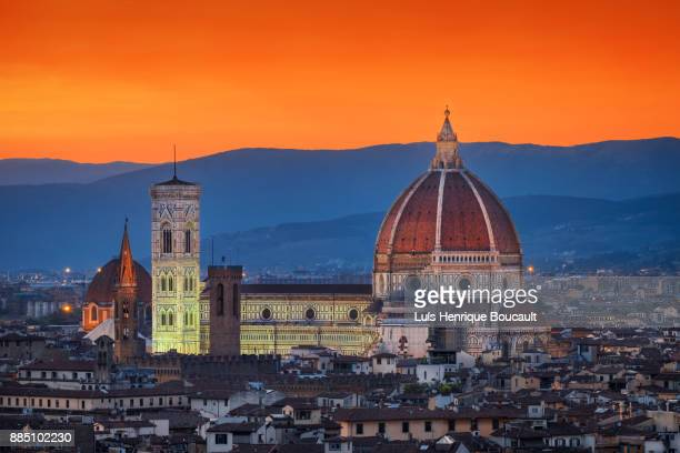 santa maria del fiore & sunset - florence italy stock pictures, royalty-free photos & images
