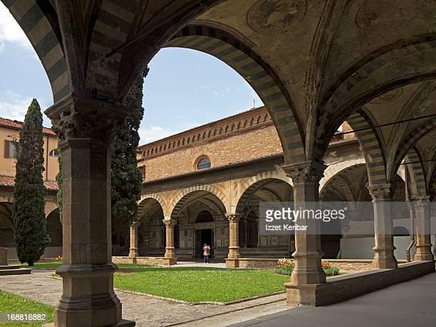 santa maria novella cloister - renaissance stock pictures, royalty-free photos & images