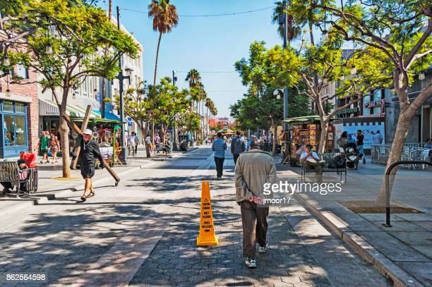 Santa Monica 3rd Street Promenade with many people and activity