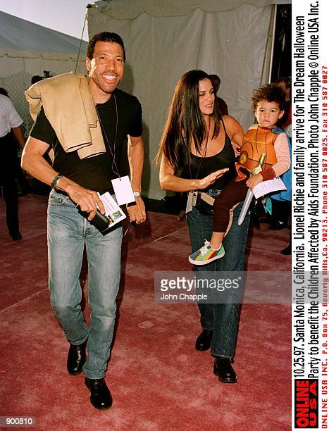 Santa Monica california Lionel Richie with his wife Diane Alexander and their son Miles arrive for The Dream Halloween party benefiting the Children...