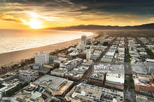 santa monica district from the helicopter - hollywood kalifornien bildbanksfoton och bilder