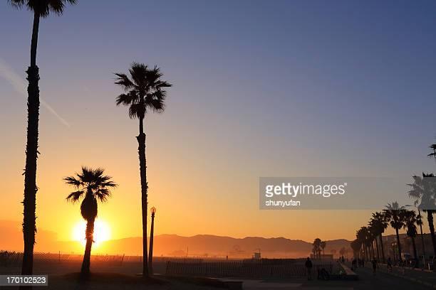 Santa Monica Pier bei Sonnenuntergang;