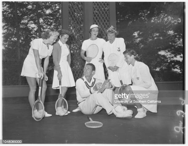 Santa Monica tennis 24 August 1950 Joyce AndrewsNancy ViaultShelah HackettBetty Jane McCoskeyJoan DasteelJoyce ReynoldsDiane DodgeDarlene DodgeFrank...