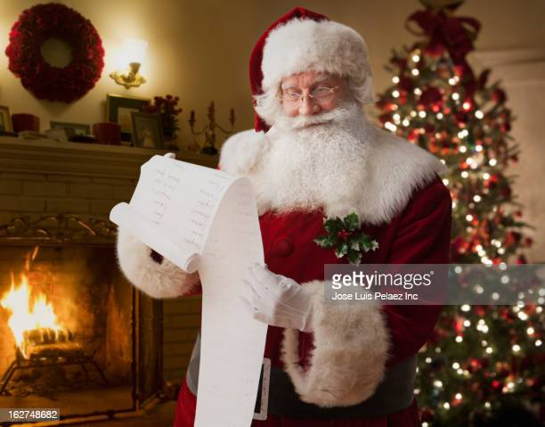 santa reading list - list stock pictures, royalty-free photos & images