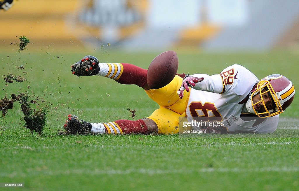 Santana Moss #89 of the Washington Redskins can't hang on to a pass during the fourth quarter against the Pittsburgh Steelers on October 28, 2012 at Heinz Field in Pittsburgh, Pennsylvania.