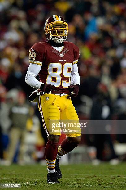 Santana Moss of the Washington Redskins in action during the first half of an NFL game against the San Francisco 49ers at FedExField on November 25...