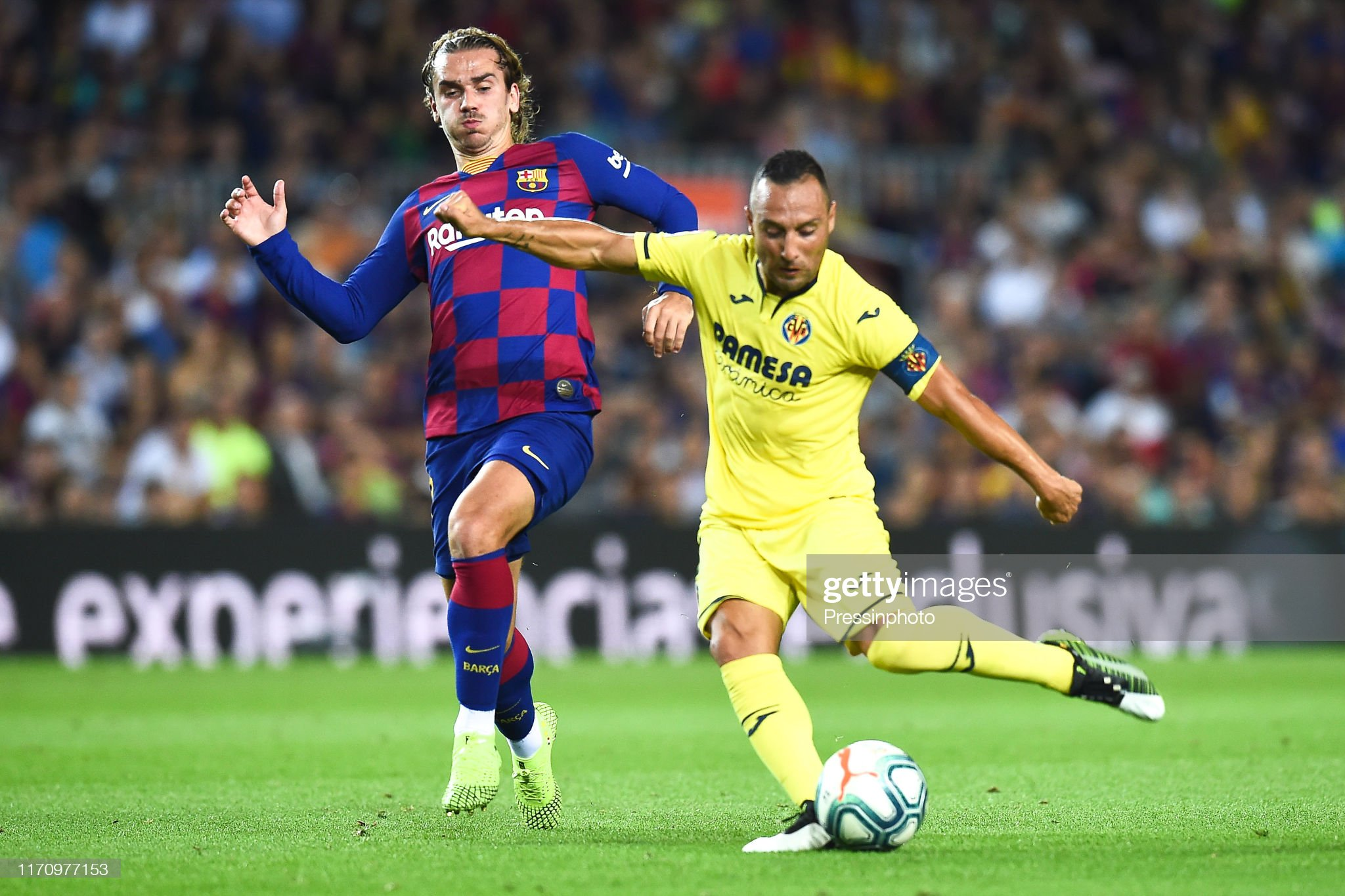 صور مباراة : برشلونة - فياريال 2-1 ( 24-09-2019 )  Santi-cazorla-of-villarreal-cf-scores-the-21-during-the-liga-match-picture-id1170977153?s=2048x2048