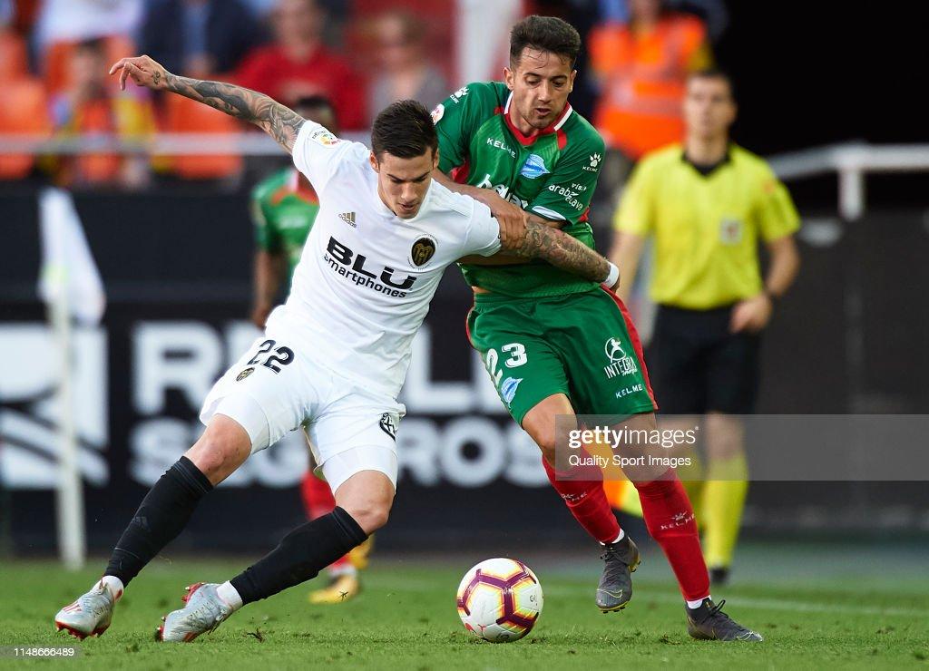 Valencia CF v Deportivo Alaves - La Liga : News Photo