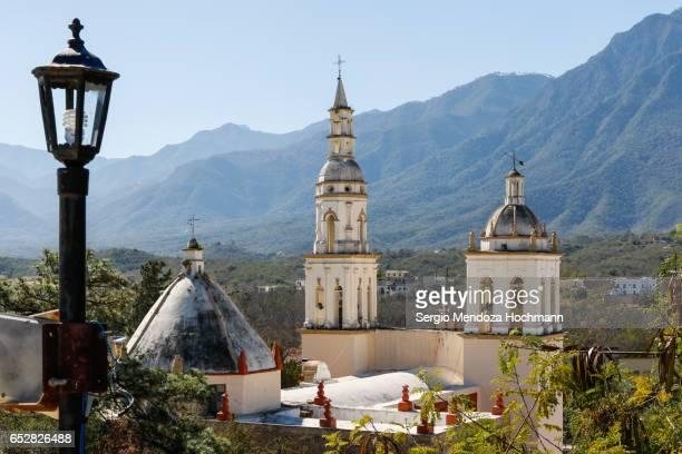 santiago apostol church - santiago, nuevo león, mexico - monterrey mexico fotografías e imágenes de stock