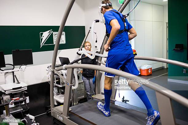 Santiago Ardila a 19yearold postgraduate student athlete from Mexico left trains on a treadmill that determines how many calories an athlete uses at...