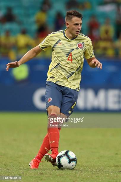 Santiago Arias of Colombia controls the ball during the Copa America Brazil 2019 group B match between Colombia and Paraguay at Arena Fonte Nova on...