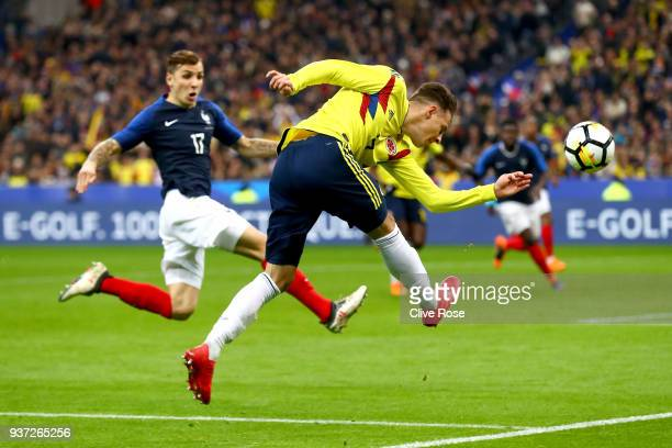 Santiago Arias of Columbia shoots during the International friendly match between France and Columbia at Stade de France on March 23 2018 in Paris...