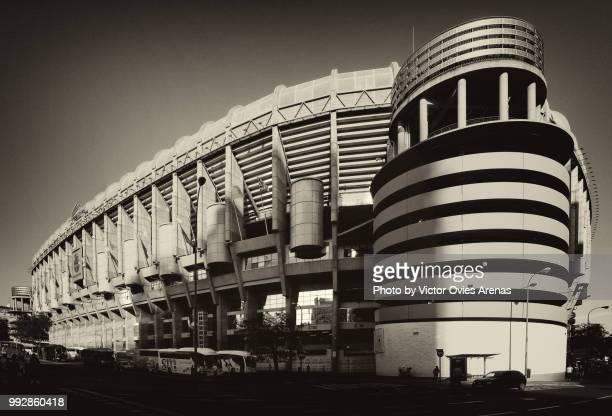 santiago bernabeu stadium in madrid, spain - victor ovies fotografías e imágenes de stock