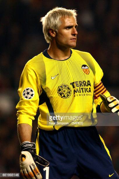 Santiago Canizares Valencia goalkeeper