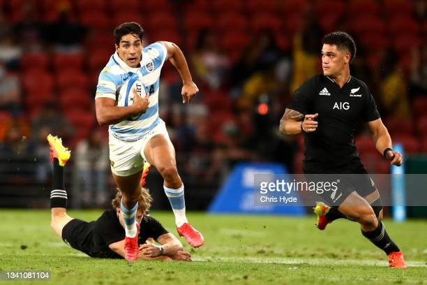 Santiago Carreras of Argentina makes a break during The Rugby Championship match between the Argentina Pumas and the New Zealand All Blacks at...