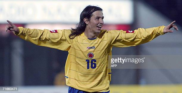 Elkin Soto de la seleccion de Colombia celebra el segundo gol que le da el triunfo por 21 a su seleccionado ante Chile en el partido amistoso...