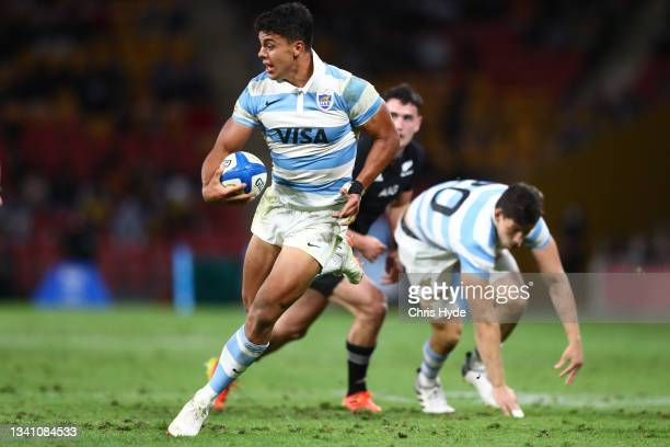 Santiago Chocobares of Argentina runs the ball during The Rugby Championship match between the Argentina Pumas and the New Zealand All Blacks at...
