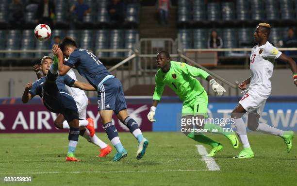 Santiago Colombatto of Argentina and Marcelo Torres of Argentina go for the ball to shoot at goal during the FIFA U20 World Cup Korea Republic 2017...