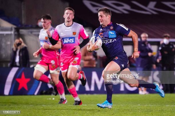 Santiago CORDERO of Union Bordeaux-Begles scores a try during the European Rugby Champions Cup match between Union Bordeaux Begles v Dragons at...