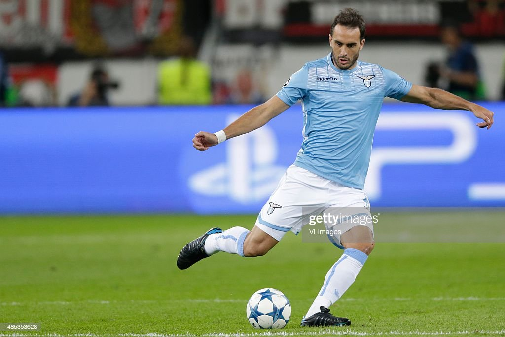 "Champions league play-offs - ""Bayer Leverkusen v Lazio Roma"" : News Photo"