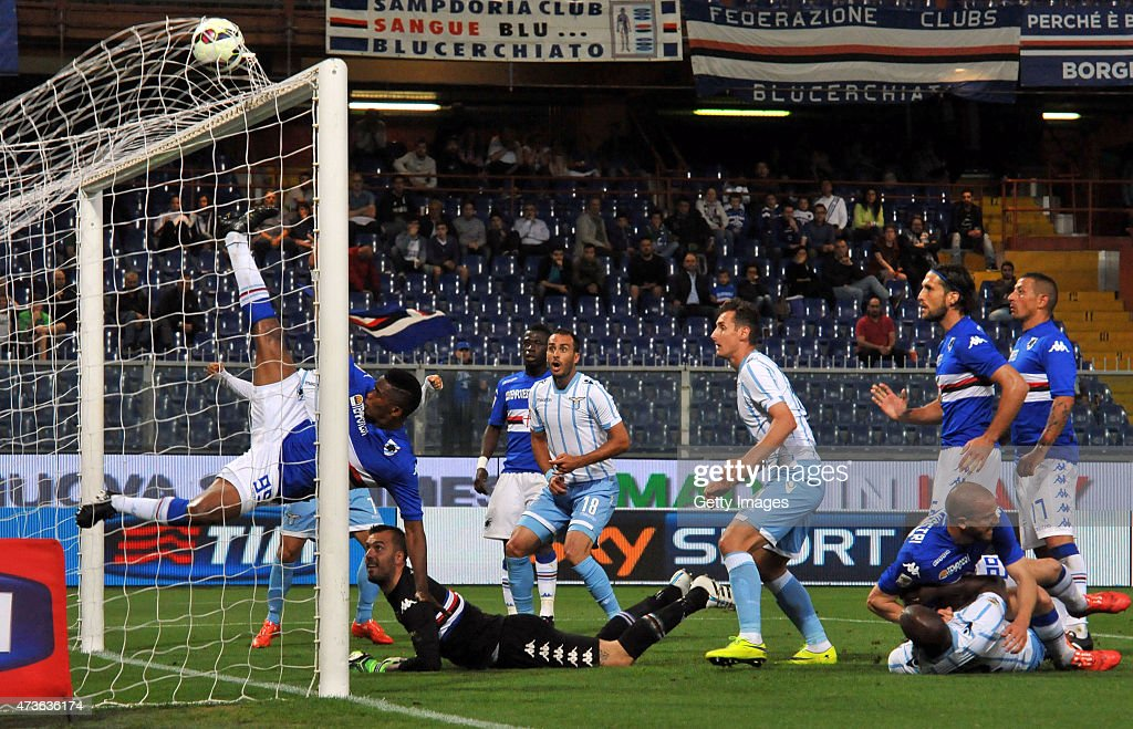 Santiago Gentiletti of SS Lazio (C) scores the opening goal of the match during the Serie A match between UC Sampdoria and SS Lazio at Stadio Luigi Ferraris on May 16, 2015 in Genoa, Italy.
