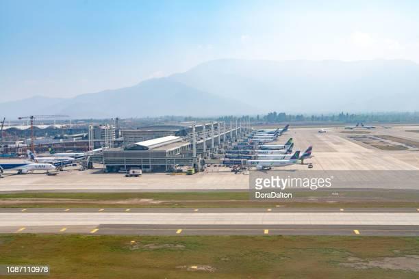 サンティアゴ国際空港 - 飛行機の視点 ストックフォトと画像