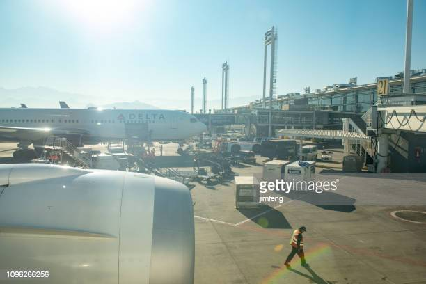 santiago international airport - landing touching down stock pictures, royalty-free photos & images