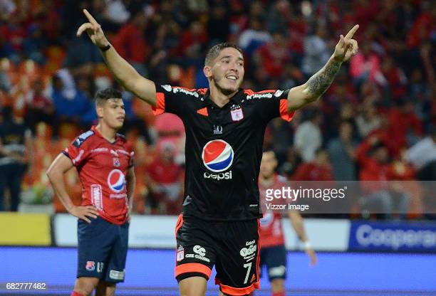 Santiago Silva of America de Cali celebrates after scoring the second goal of his team during a match between Independiente Medellin and America de...