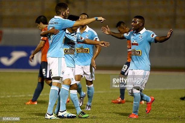 Santiago Silva of Sporting Cristal celebrates the second goal of his team against Cesar Vallejo during a match between Cesar Vallejo and Sporting...