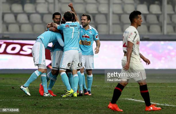 Santiago Silva of Sporting Cristal celebrates the second goal of his team against Universitario during a match between Universitario and Sporting...