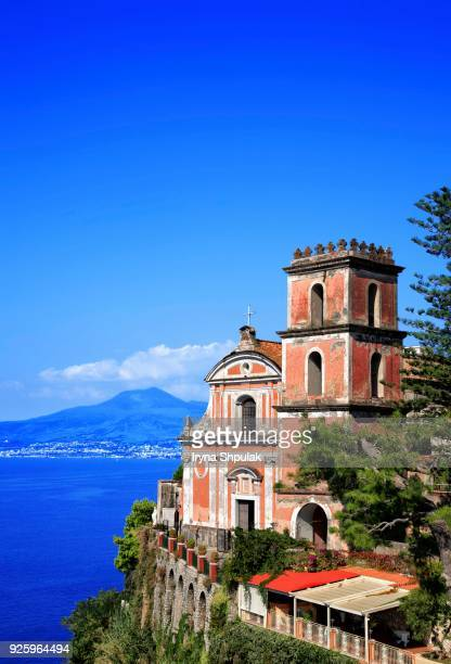 santissima annunziata church, vico equense, at back vesuvius, sorrento peninsula, campania, italy - sorrento stock pictures, royalty-free photos & images