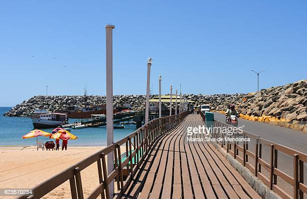 """""""santo antônio port and its vessels"""" - pessoas stock pictures, royalty-free photos & images"""