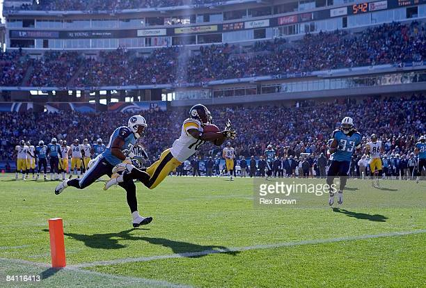 Santonio Holmes of the Pittsburgh Steelers pulls in this catch for a first half touchdown against the Tennessee Titans on December 21, 2008 at LP...