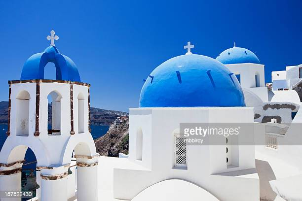 santorin célèbres églises - dôme photos et images de collection