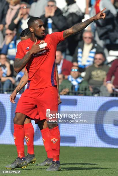 Santos Gerson of ACF Fiorentina celebrates after scoring his team's fourth goal during the Serie A match between SPAL and ACF Fiorentina at Stadio...