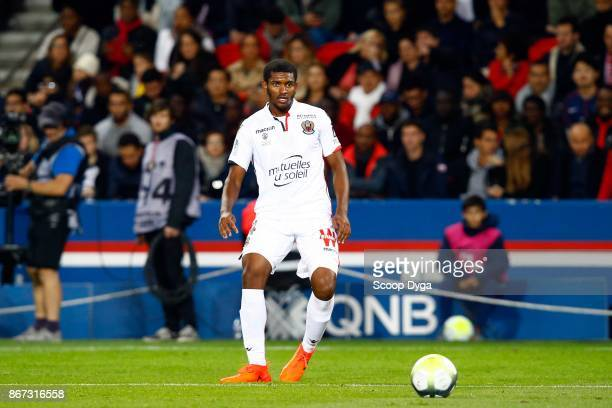 Santos Marlon of OGC Nice during the Ligue 1 match between Paris Saint Germain and OGC Nice at Parc des Princes on October 27 2017 in Paris