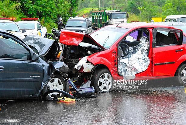 CONTENT] 9/12/2011 sao jose dos campos/sp/vale do paraiba acidente grave um acidente na rodovia dos tamoios no km 15 sentido litoral norte envolvendo...