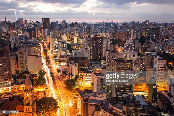 sao paolo city lights at dusk - são paulo stock pictures, royalty-free photos & images