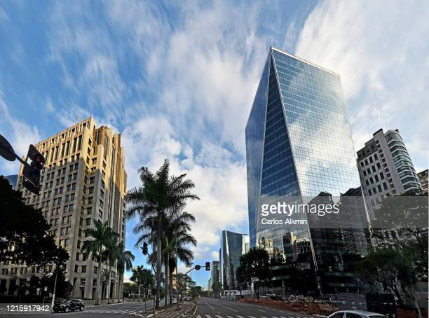 sao paulo, brazil - faria lima avenue in the afternoon - carlos alkmin stock pictures, royalty-free photos & images