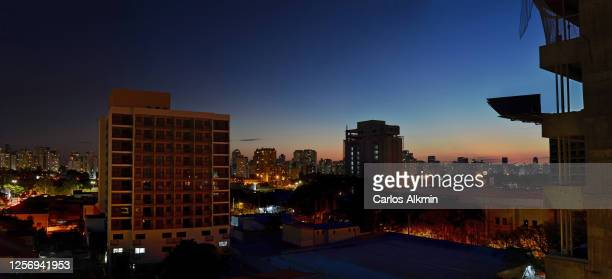 sao paulo, brazil - skyline of moema indios district and new buildings under construction - carlos alkmin stock pictures, royalty-free photos & images