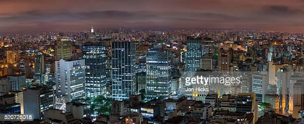 sao paulo skyline at night, brazil. - panorâmica - fotografias e filmes do acervo