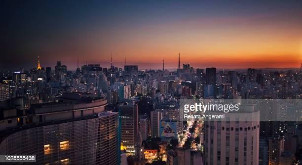 sao paulo skyline sunset brazil - são paulo stock pictures, royalty-free photos & images