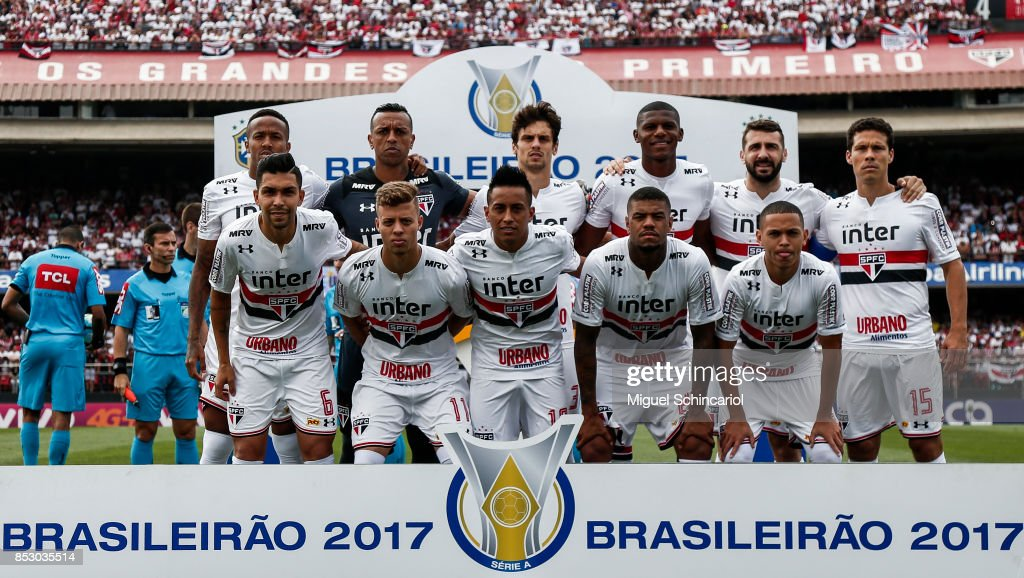 Sao Paulo team players pose before a match between Sao Paulo and Corinthians for the Brasileirao Series A 2017 at Morumbi Stadium on September 24, 2017 in Sao Paulo, Brazil.