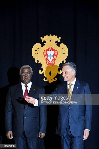 Sao Tome and Principe President Manuel Pinto da Costa pose with his Portuguese counterpart Cavaco Silva prior to a meeting at Belem Palace in Lisbon...